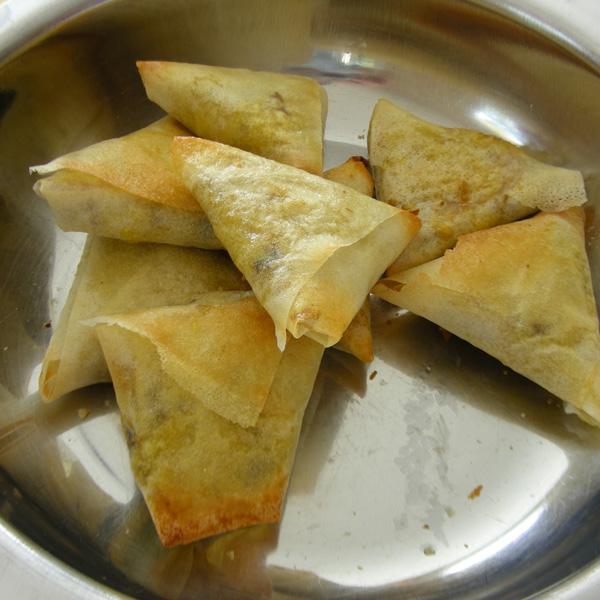 Les samossas après cuisson, prêts à être consommés